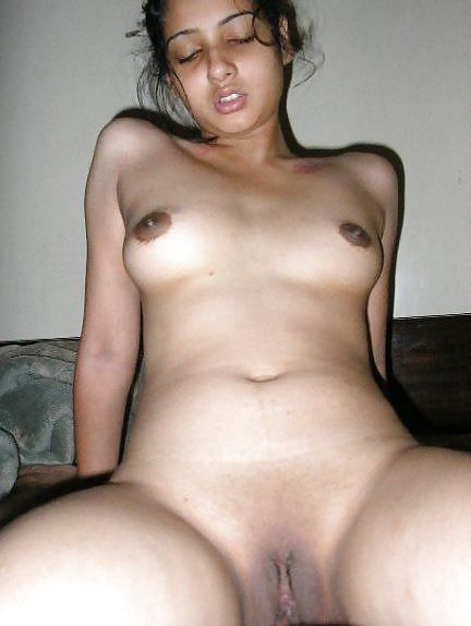 Real nude pics of girls from delhi